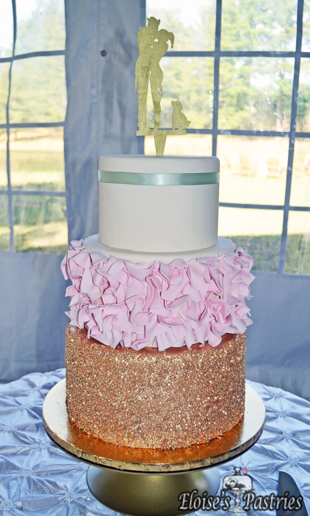 Fab & Chic Gold & Blush Cake
