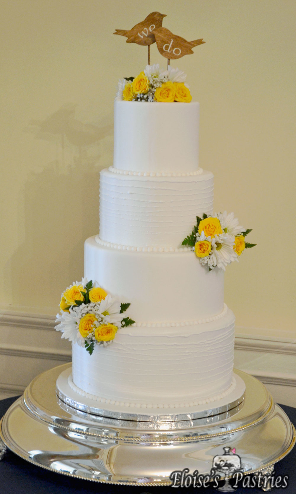 Simple White Floral Cake
