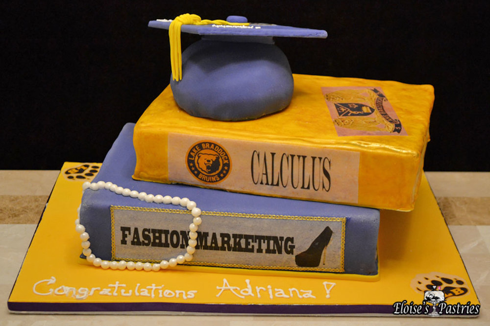 Graduation (Cap & Books) Cake
