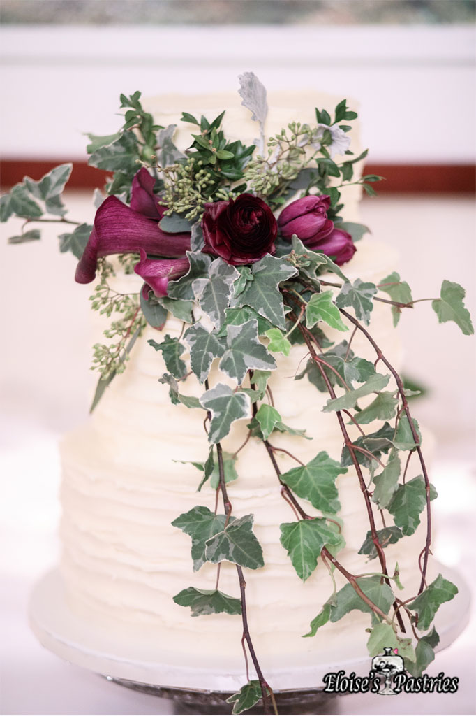 Elegant Branch Wedding Cake