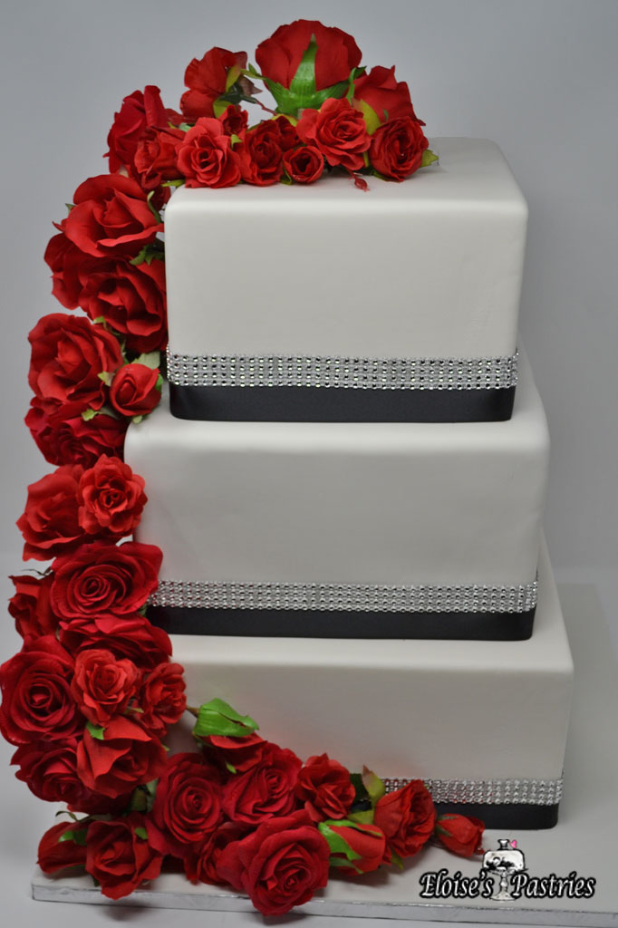 Red Roses Square Wedding Cake