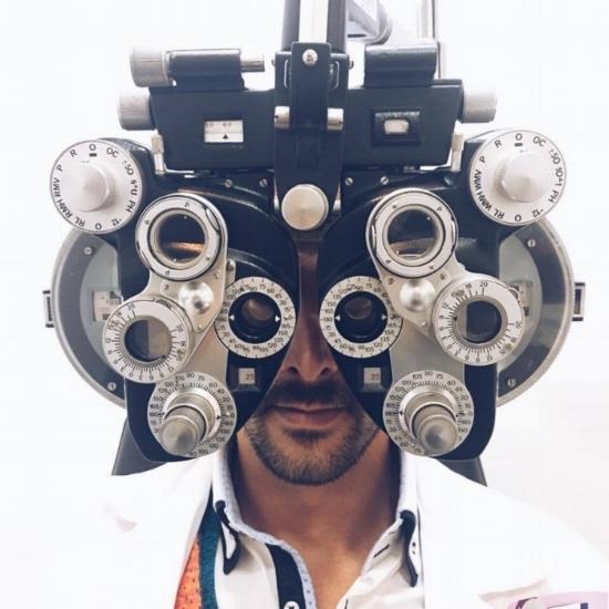 A Brunóptica dispõe de um gabinete de optometria e contactologia, totalmente preparado para realizar com a maior precisão e rigor o seu exame visual.