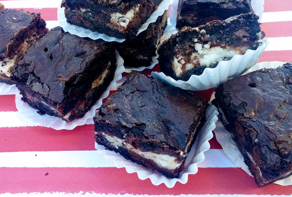 peppermint fudge brownies, beneath the crust