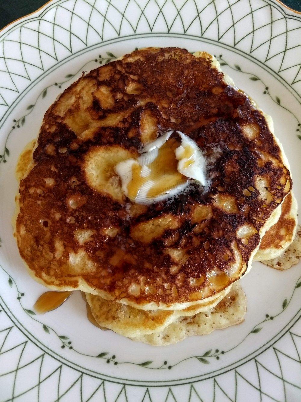 beneaththecrust.buttermilk-pancakes