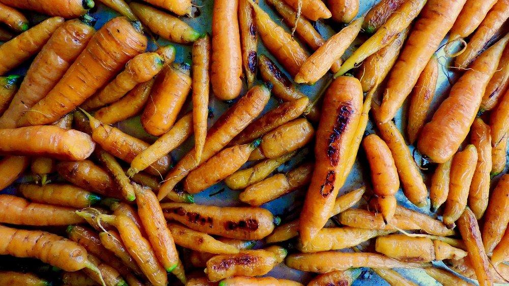 beneaththecrust.carrotswithhoneypepper&almonds