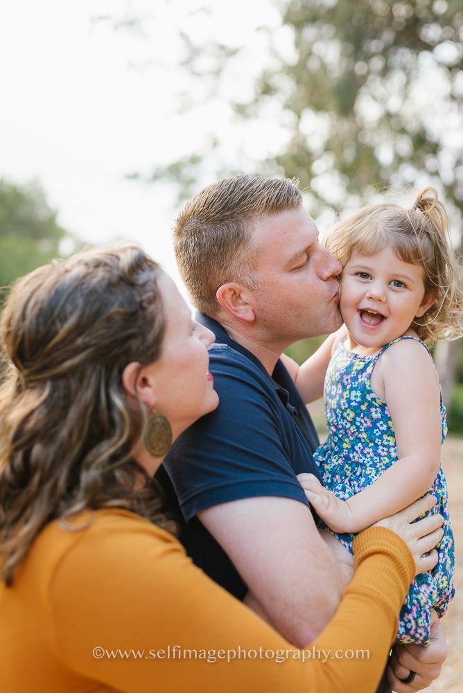 Redondo Beach outdoor family pictures