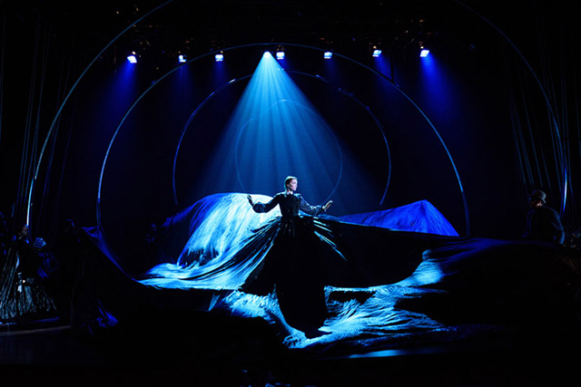 http://dcist.com/2016/12/arena_stages_moby_dick_is_an_acroba.php