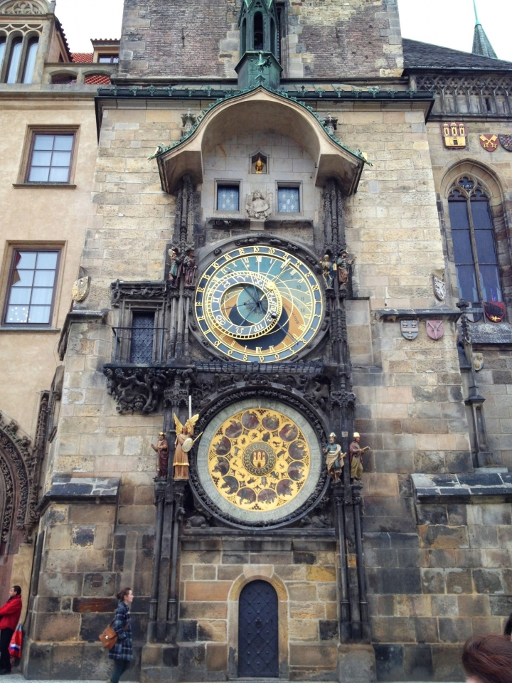 https://hyperallergic.com/424337/the-history-of-one-of-the-oldest-astronomical-clocks-in-the-world/