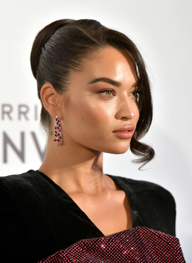 Shanina Shaik • ruby earrings to the Elton John Academy Awards Viewing Party on February 24th in Los Angeles, California.