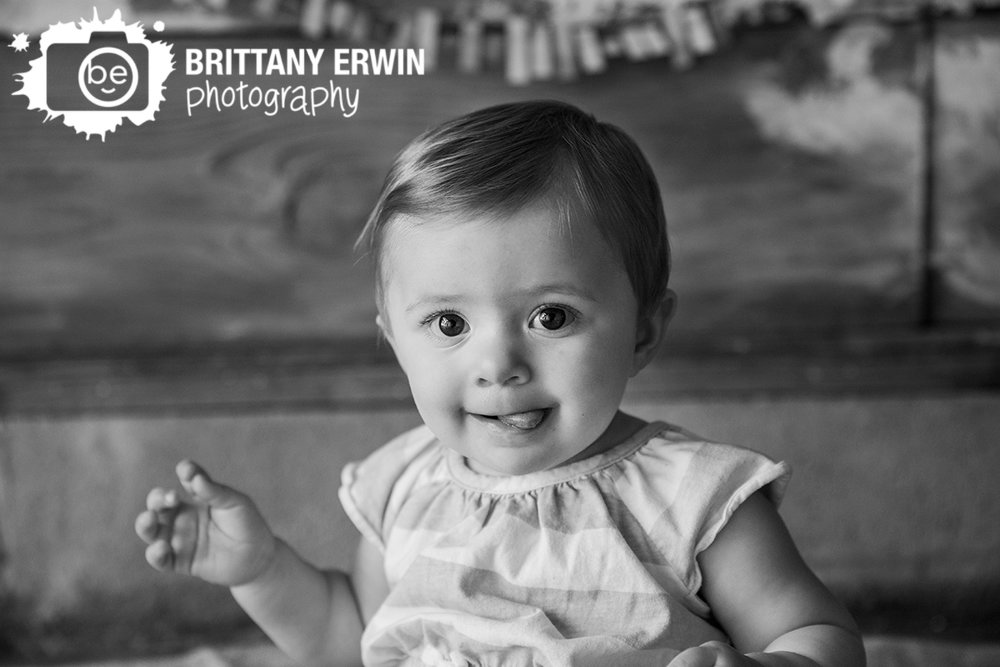 Indianapolis-first-birthday-baby-girl-studio-photographer-silly-face.jpg