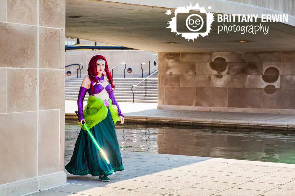 Indianapolis-cosplay-GenCon-photographer-ariel-princess-jedi-light-saber.jpg