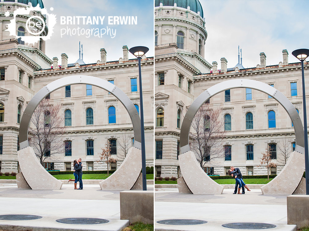 Downtown-Indianapolis-engagement-portrait-photographer-couple-in-sculpture-round.jpg