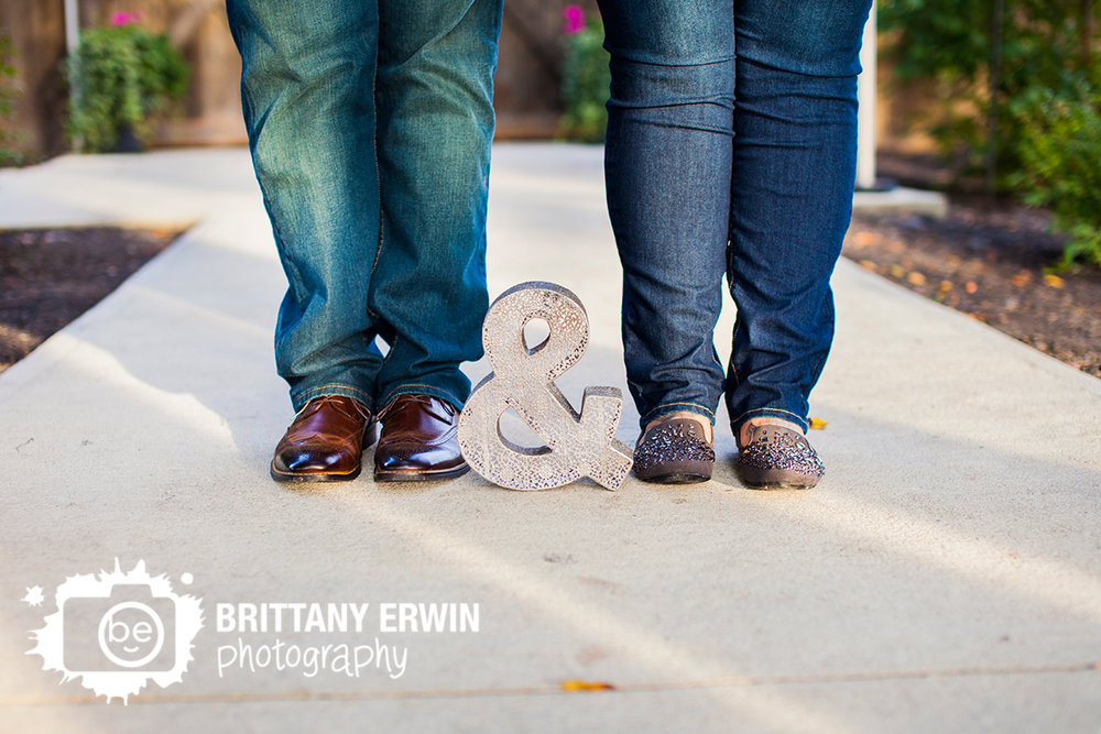 Indianapolis-engagement-portrait-photographer-ampersand-couple-feet.jpg