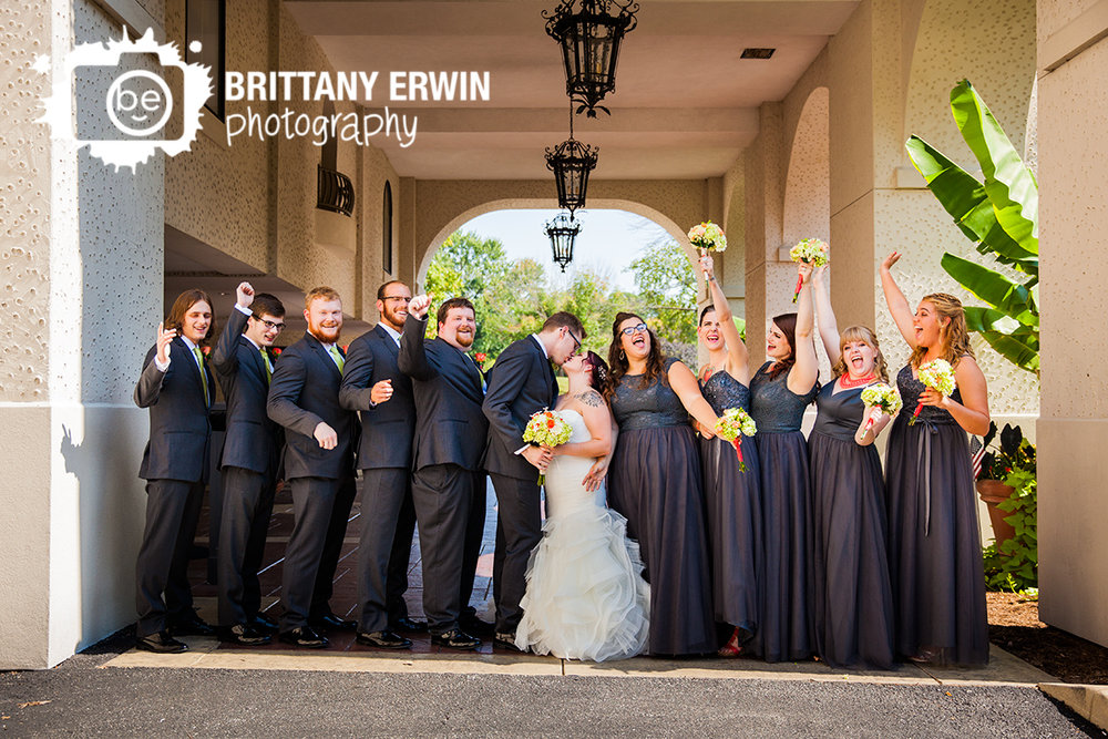Indianapolis-wedding-photographer-bridal-party-portrait-couple-kiss-hillcrest-country-club.jpg