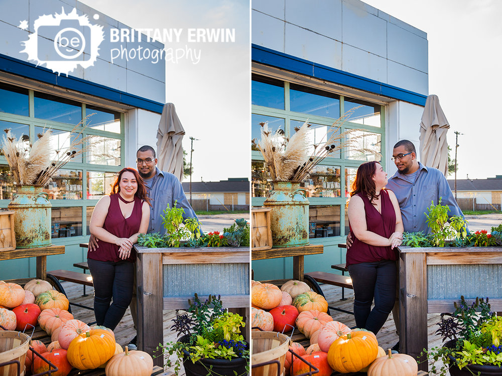 Fountain-Square-Indiana-engagement-portrait-photographer-fall-pumpkin-outdoor-sunset.jpg