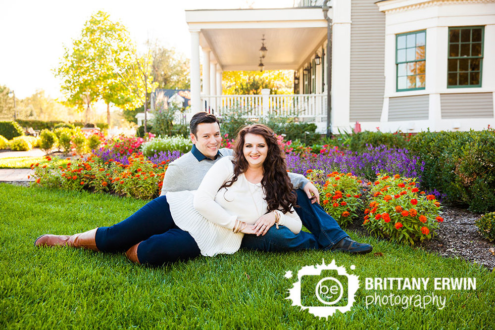 Indianapolis-engagement-portrait-photographer-Historic-Ambassador-House-couple-flowers-fall.jpg