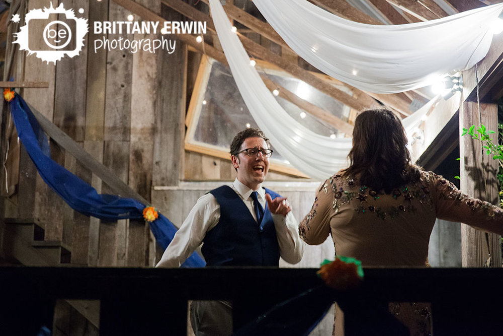 Story-Inn-Brown-County-Indiana-wedding-photographer-dance-floor.jpg