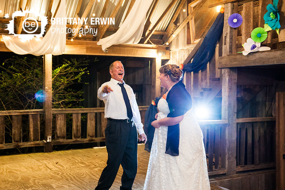 Story-Inn-Brown-County-wedding-photographer-father-daughter-surprise-dance.jpg