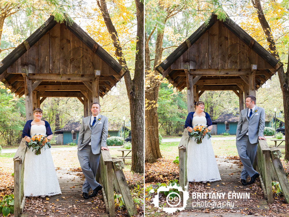 Story-Inn-wedding-photographer-couple-on-covered-bridge-fall-portrait-bokay.jpg