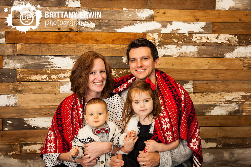 Indianapolis-studio-family-portrait-photographer-rustic-barn-wood-wall-blanket.jpg
