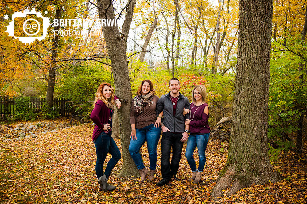 Indianapolis-family-portrait-photographer-group-fall-trees.jpg