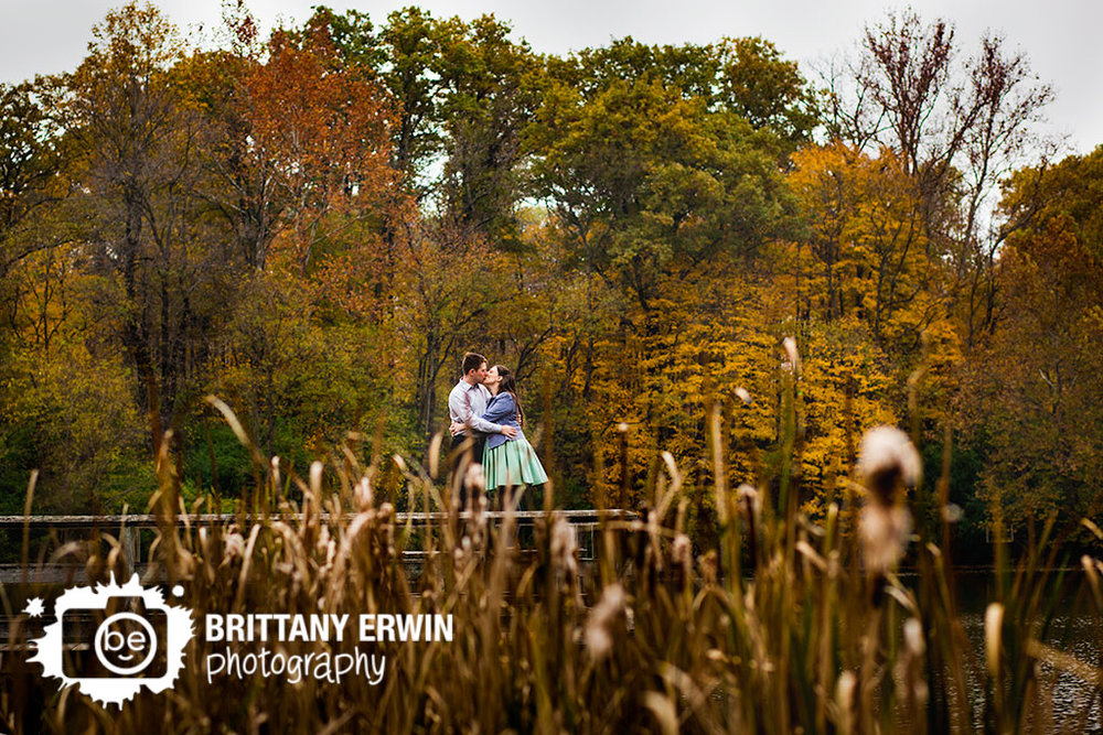 Fort-Harrison-State-Park-Indiana-engagement-fall-photographer.jpg