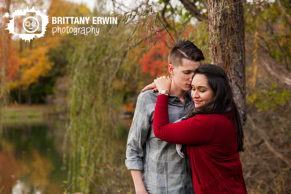 Indianapolis-outdoor-engagement-portrait-photographer-couple-romantic-pond-weeping-willow.jpg