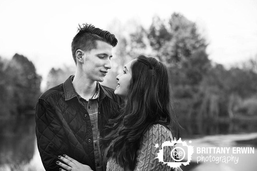 Indianapolis-fall-engagement-portrait-black-and-white-classic-photographer.jpg