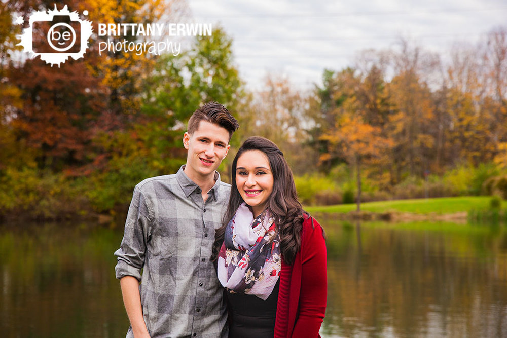 Indianapolis-fall-portrait-photographer-engagement-couple-outdoor-autumn-engaged.jpg