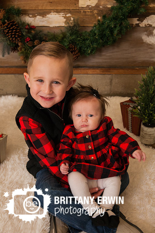 Speedway-studio-photographer-brother-sister-matching-plaid-christmas-outfits.jpg