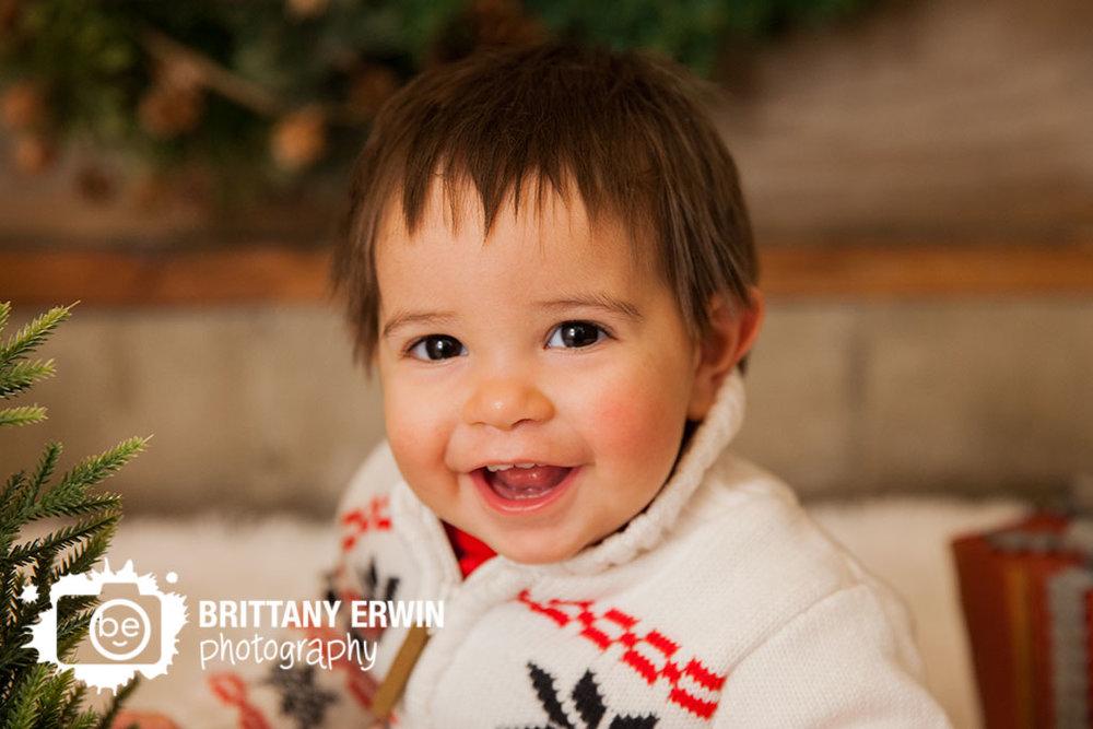 Indianapolis-christmas-studio-portrait-photographer-baby-boy-happy-sweater.jpg