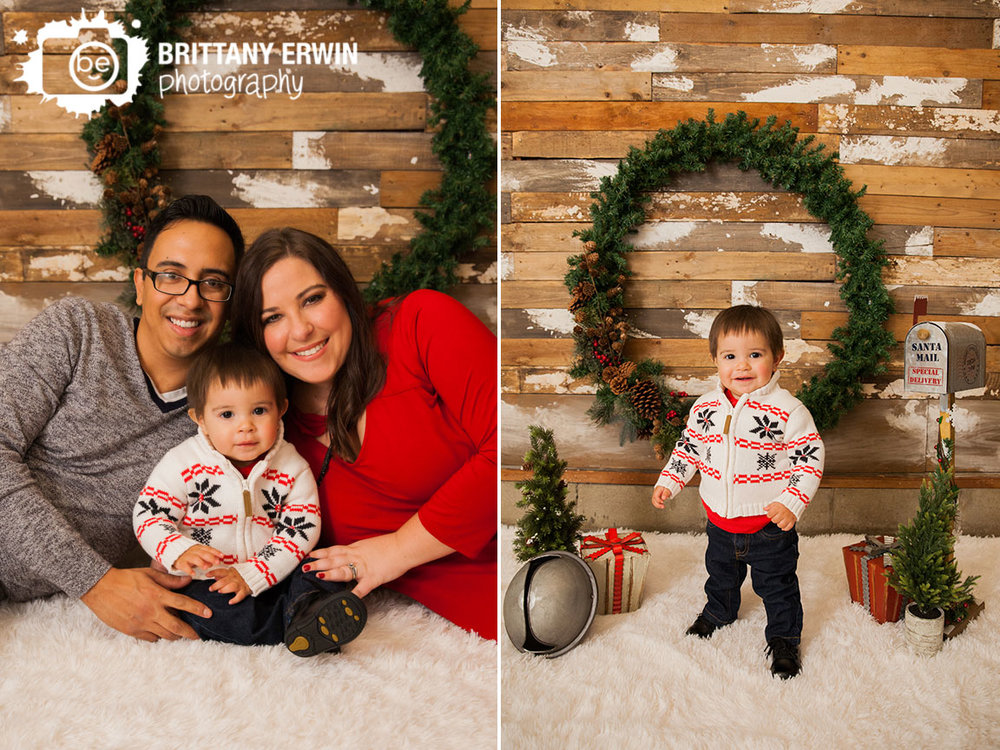 Indianapolis-Speedway-Studio-portrait-photographer-christmas-family-barn-wood-mailbox.jpg