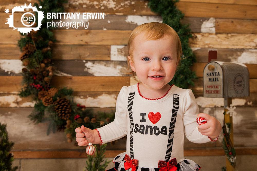 Indianapolis-studio-portrait-photographer-christmas-mini-santa-girl-outfit.jpg