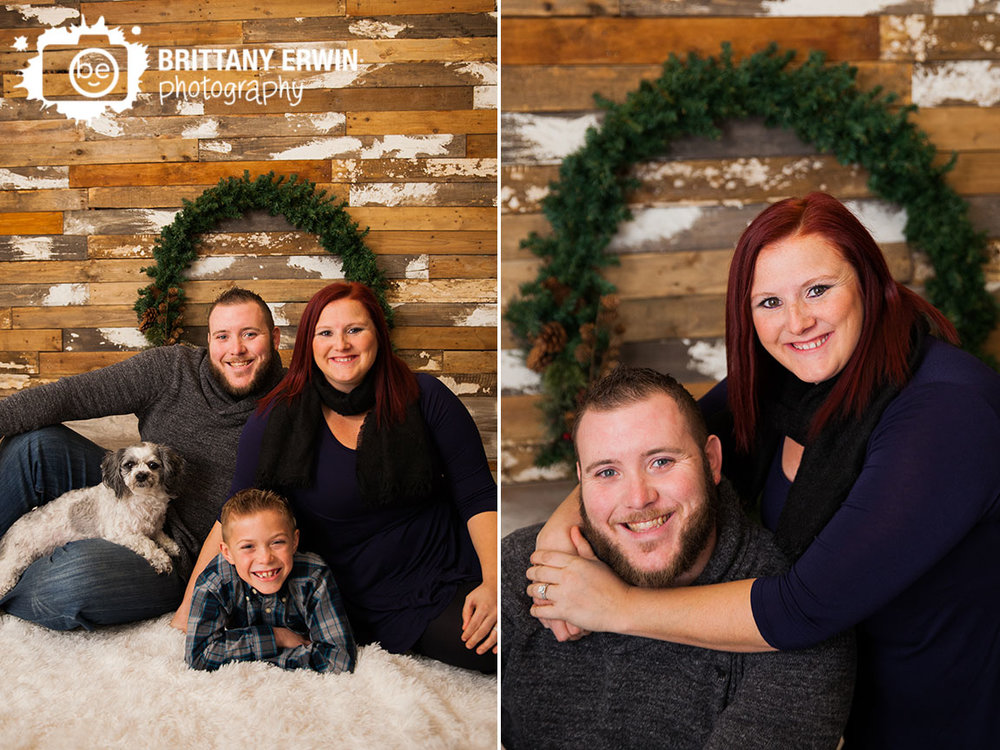 Speedway-studio-christmas-mini-session-family-pet-portrait-dog-couple.jpg