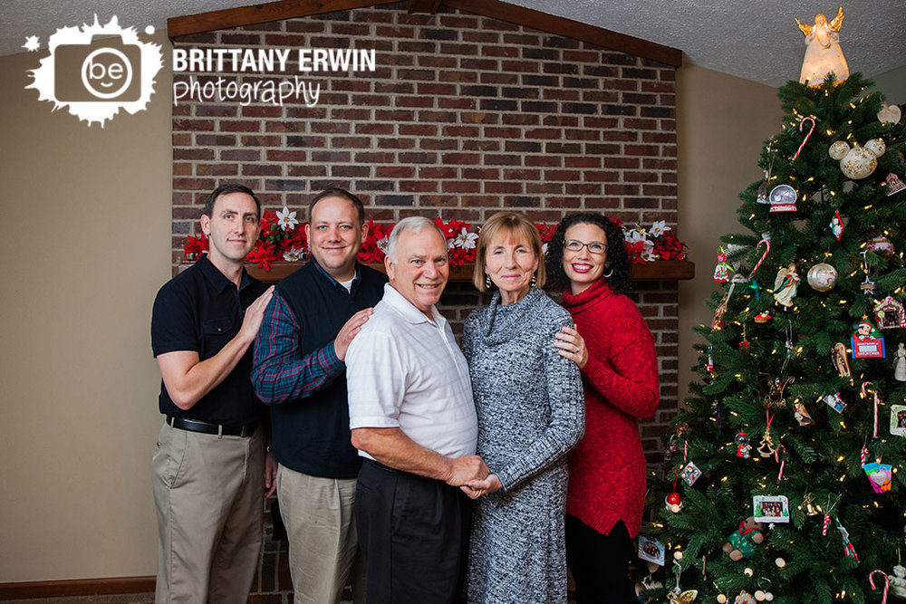 Indianapolis-portrait-photographer-sibling-brothers-sister-christmas.jpg