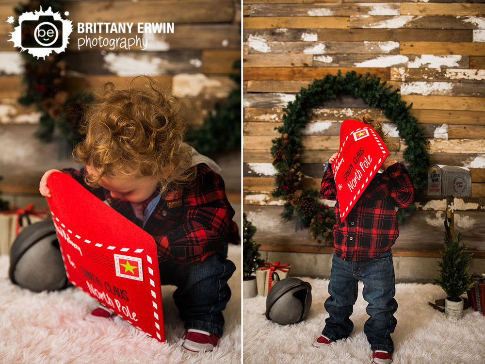 Speedway-Indiana-christmas-mini-session-boy-letter-to-santa-photographer.jpg