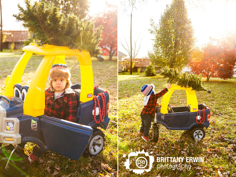 Speedway-Indiana-christmas-photographer-boy-toddler-tree-top-of-truck.jpg