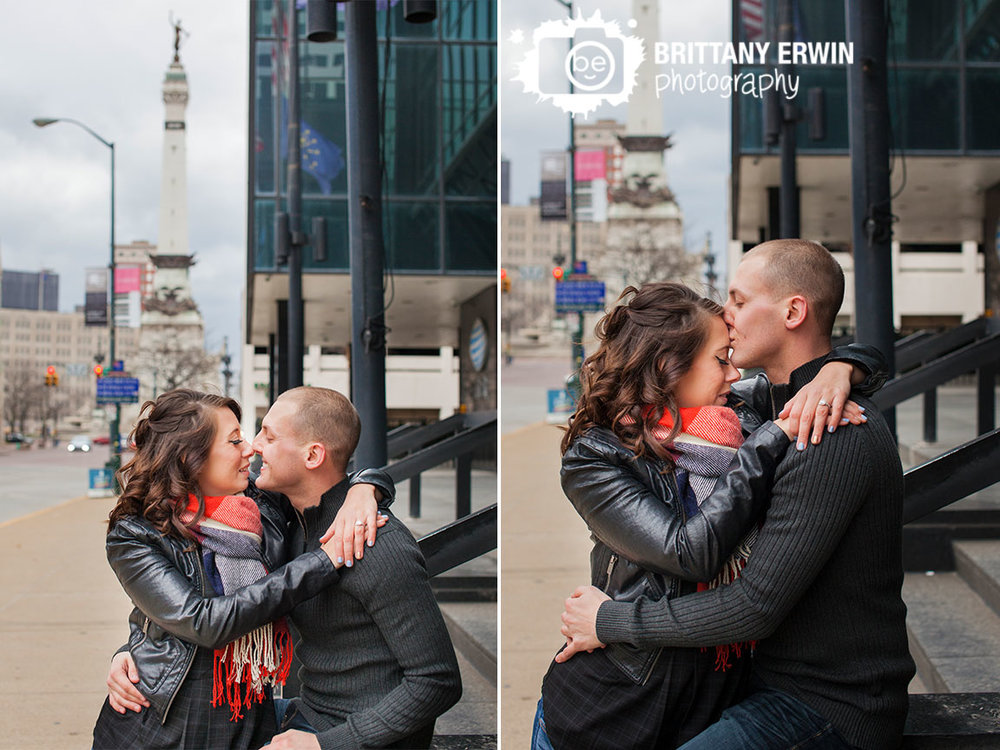 Indianapolis-engagement-downtown-photographer-winter-couple-portrait-scarf-monument-circle.jpg
