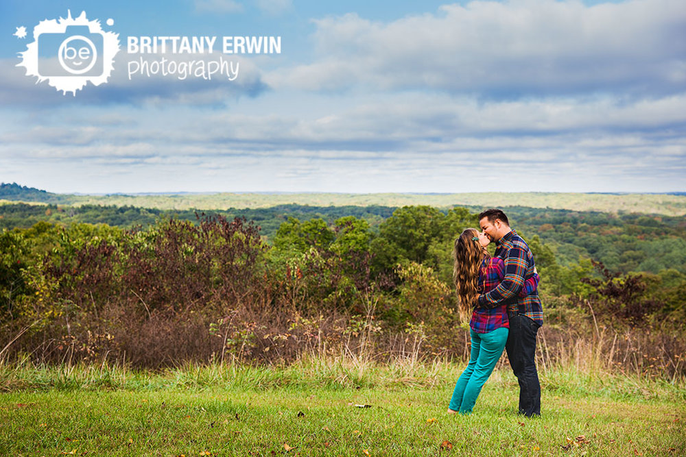 Brown-County-Nashville-Indiana-park-anniversary-portrait-Brittany-Erwin-Photography.jpg