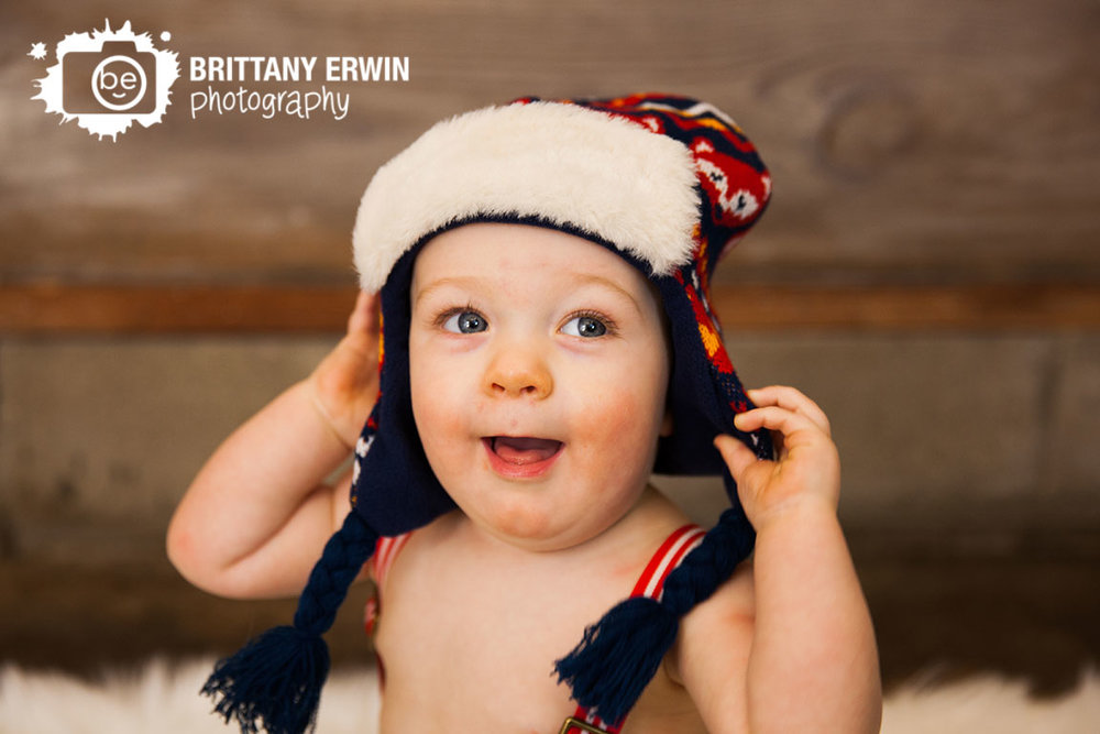 Indianapolis-winter-studio-portrait-photographer-baby-boy-first-birthday-hat.jpg