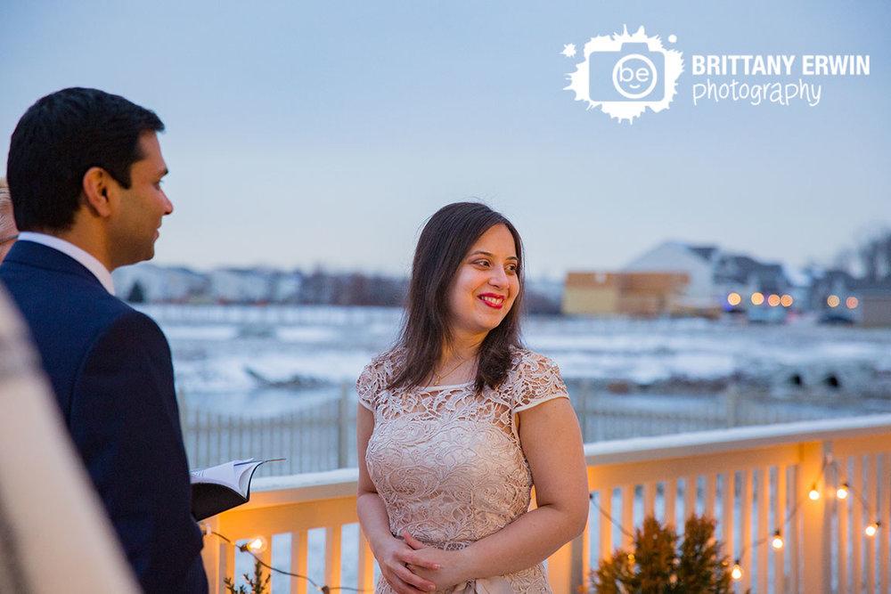 Brownsburg-Indiana-backyard-elopement-photographer-bride-at-outdoor-winter-ceremony.jpg