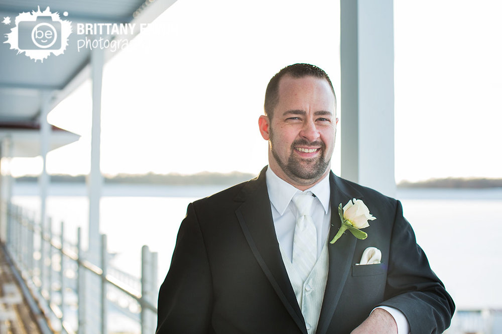 Indianapolis-wedding-photographer-winter-groom-ricks-cafe-boatyard-portrait.jpg