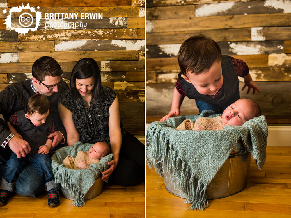 Indianapolis-studio-portrait-photographer-family-newborn-big-brother.jpg