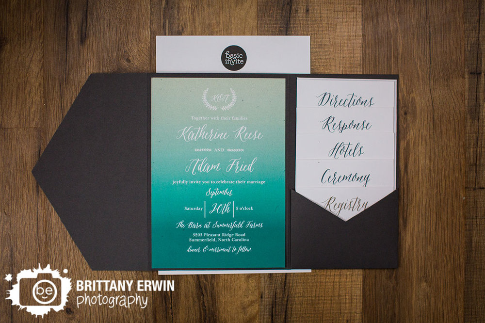 Basic-Invite-invitation-wedding-photographer-suite-with-pocket.jpg