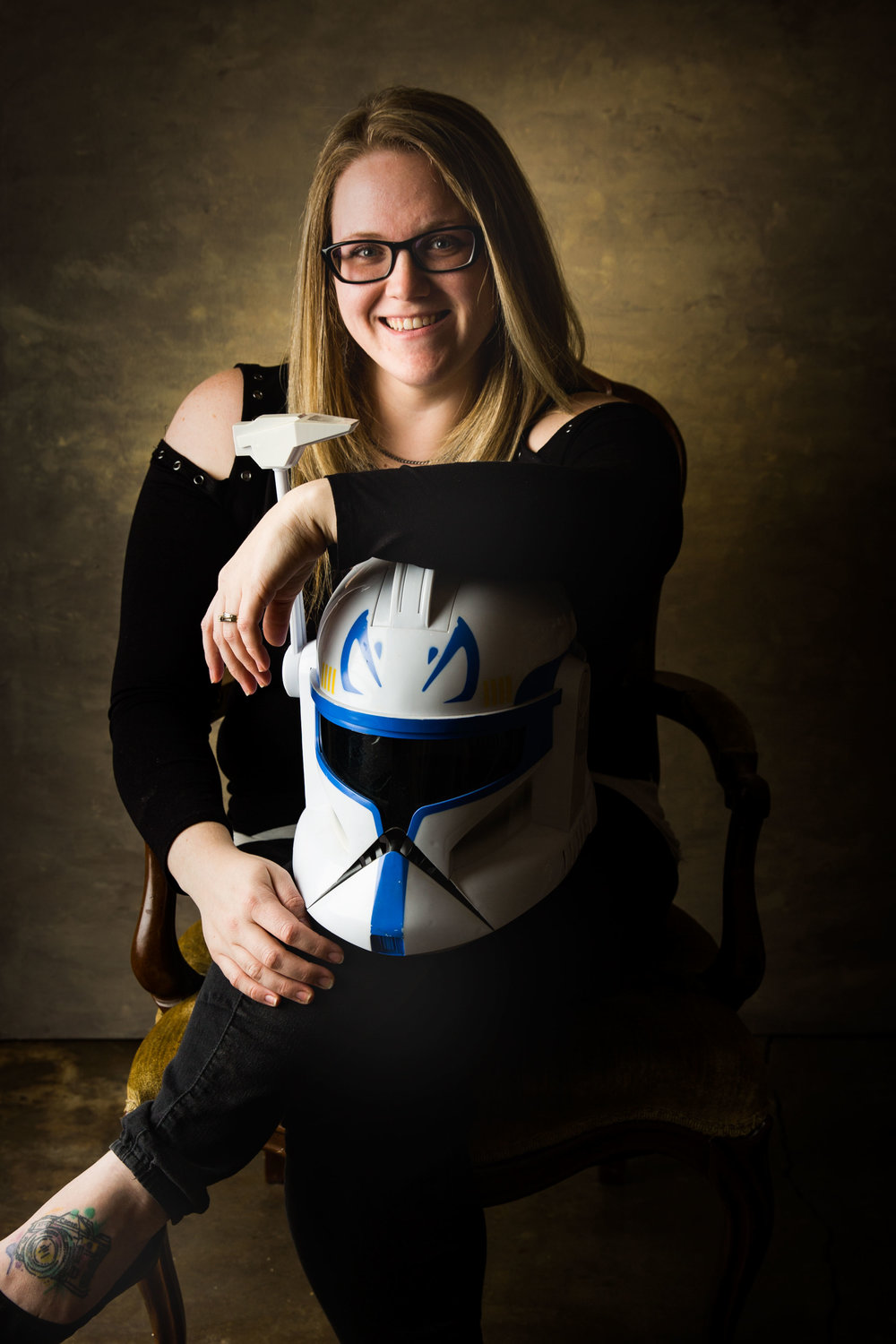 Star-Wars-helmet-bio-portrait-brittany-erwin-photography-wedding-photographer.jpg