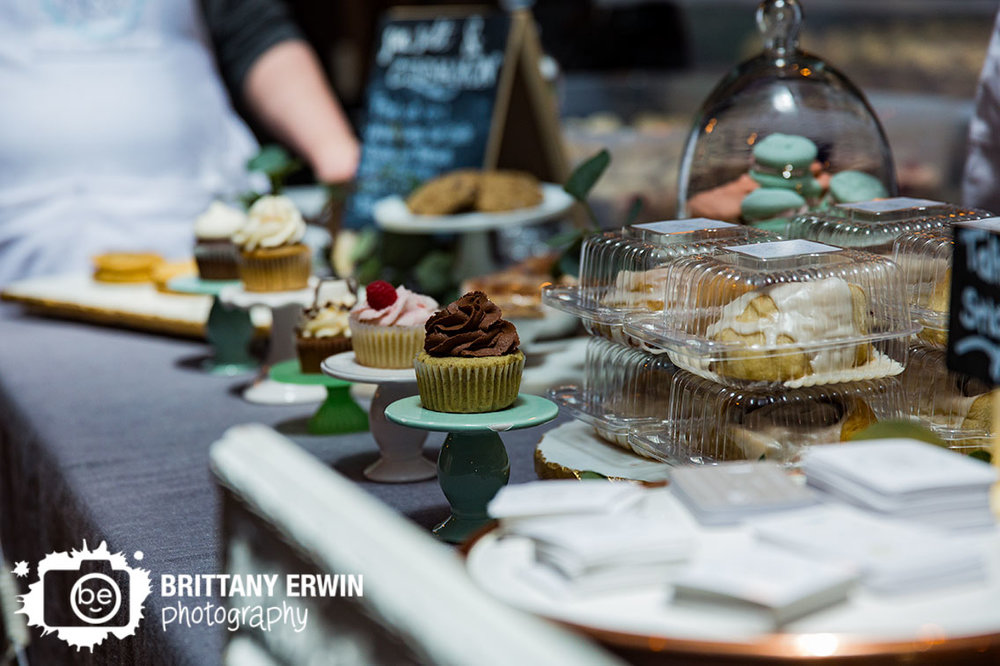 Indy-VegFest-Indianapolis-vegan-food-festival-sea-salt-and-cinnamon-cupcake-booth.jpg