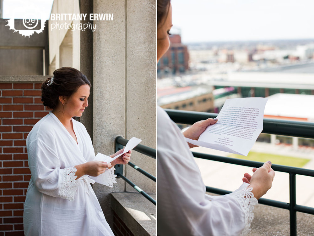 Indianapolis-wedding-photographer-bride-reading-letter-from-groom-on-balcony-at-omni-hotel.jpg