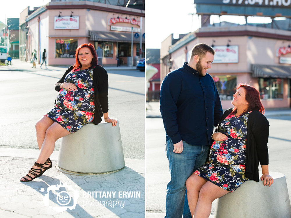 Fountain-Square-maternity-portrait-photographer-couple-center-of-town.jpg