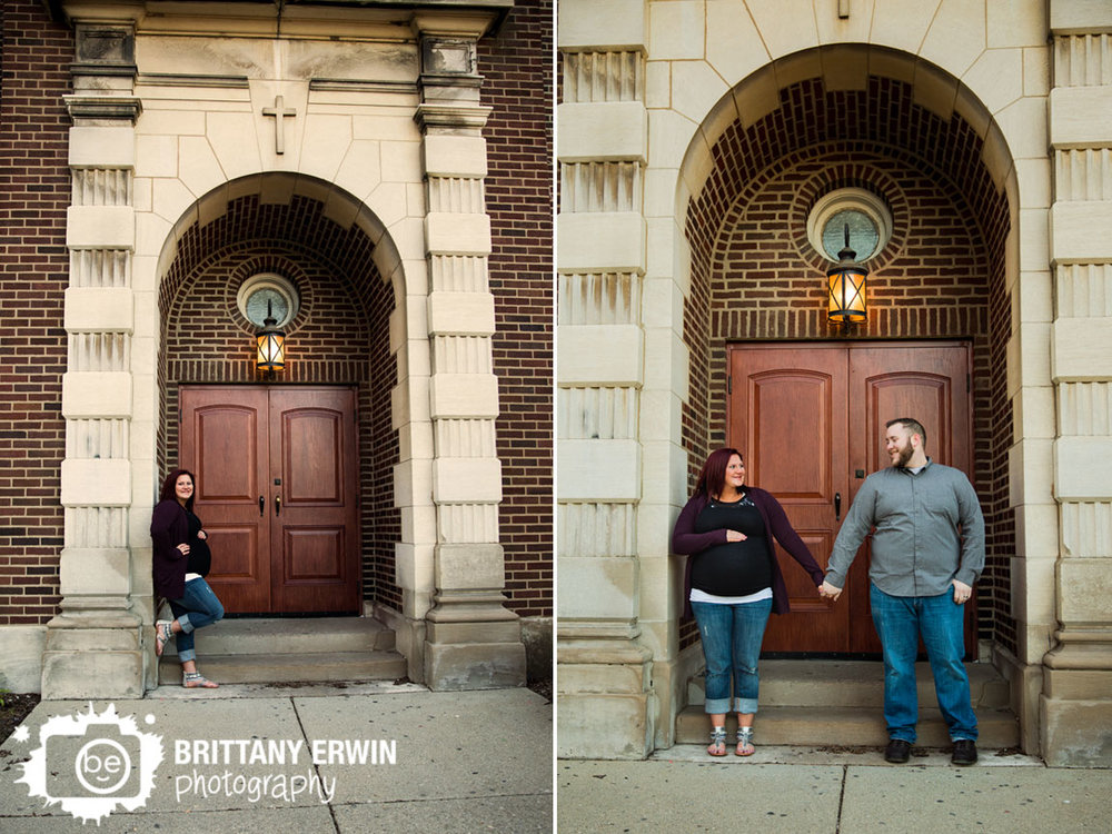 Fountain-Square-maternity-portrait-photographer-couple-under-arch-church.jpg