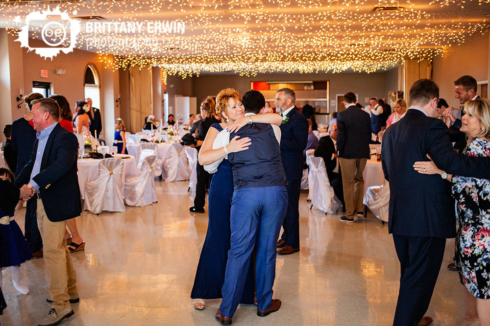 Columbus-Indiana-elks-club-wedding-reception-photographer-mother-son-dance.jpg
